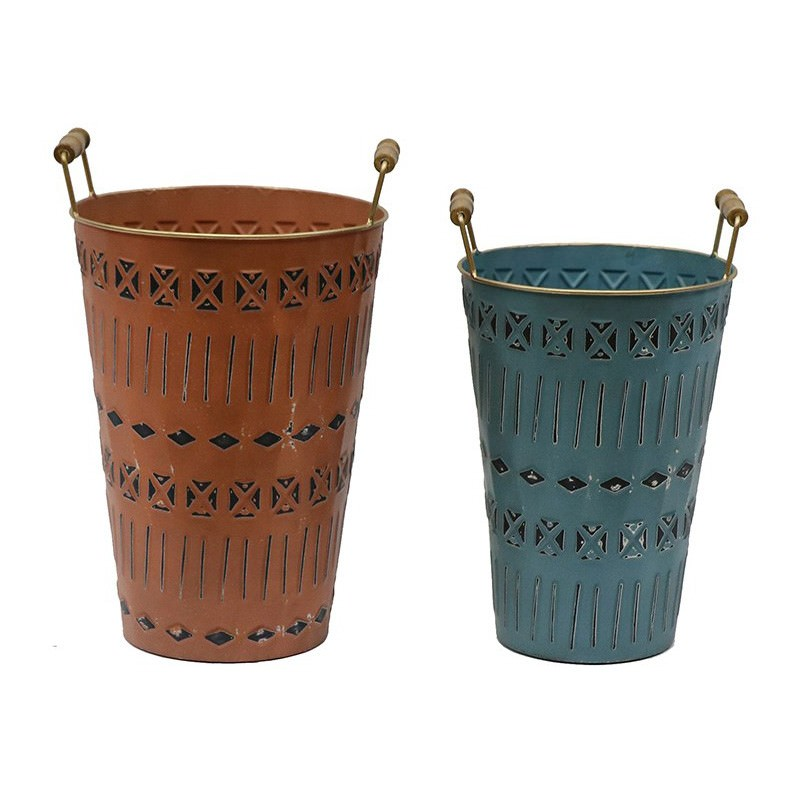 Tierra 2 Piece Nested Iron Round Bucket Planter Set