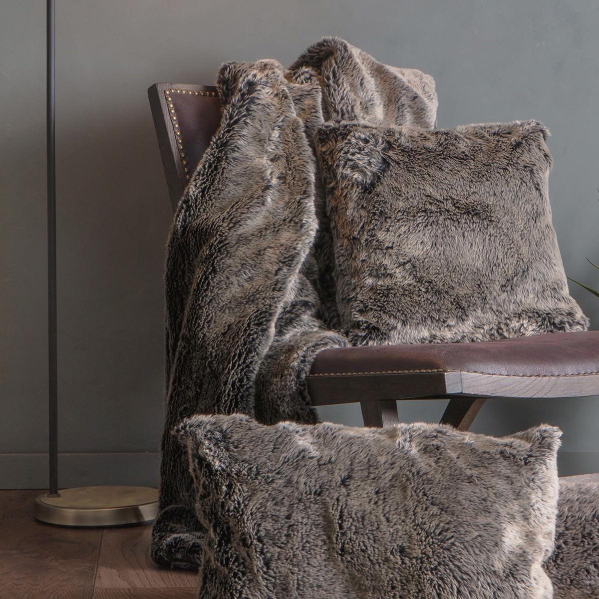 Eskimo Wolf Faux Fur Throw, 130x170cm, Grey