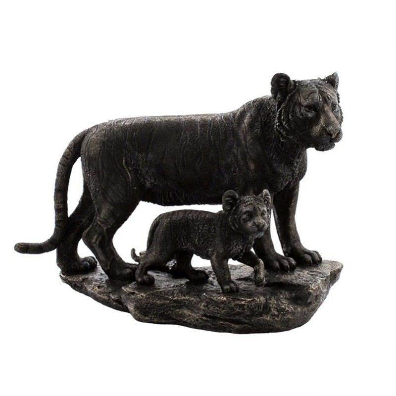 Wild Life Figurine, Mother Tiger and child