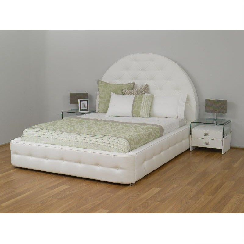 Chateau Queen Bed in White