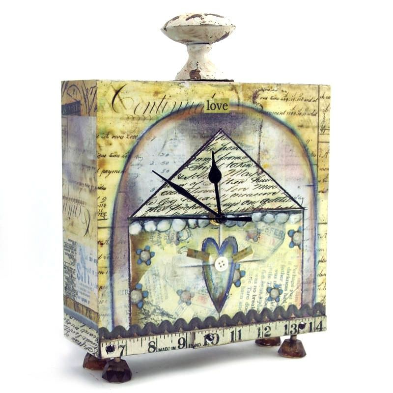 Lisa Cubic Table Clock - House