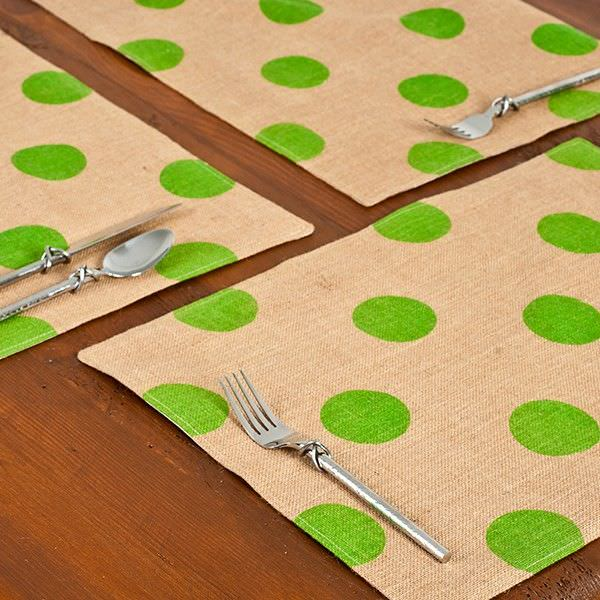 Westie Burlap Table Placemat, Green Dot