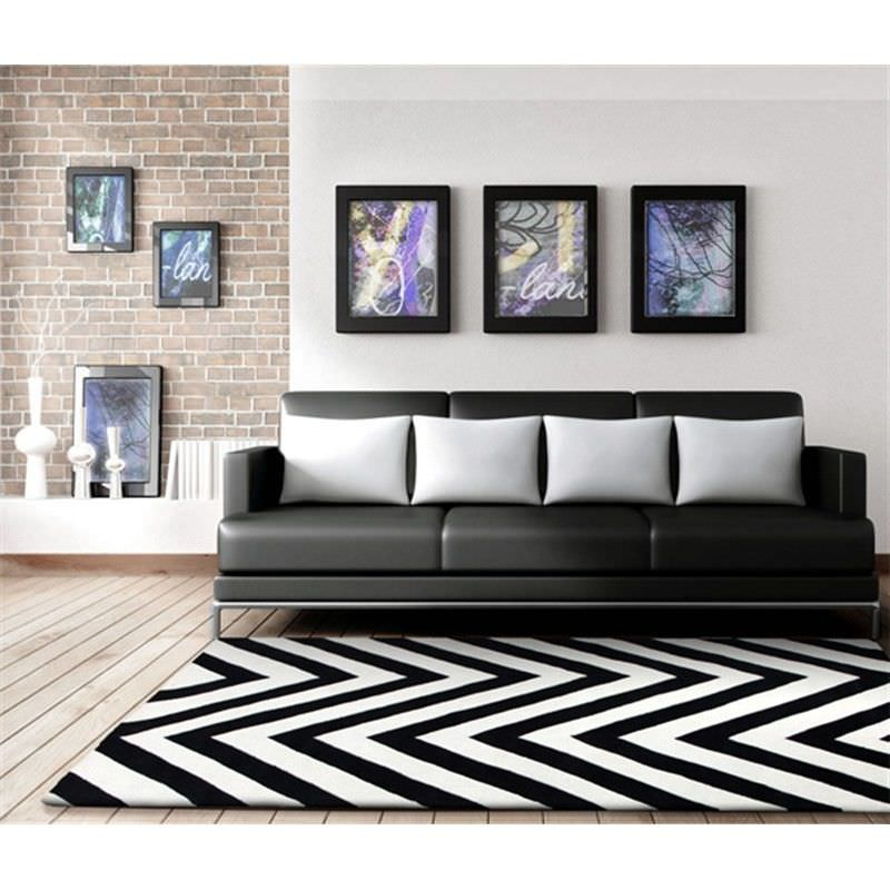 Chevron Rug in Black and White - 165x115cm