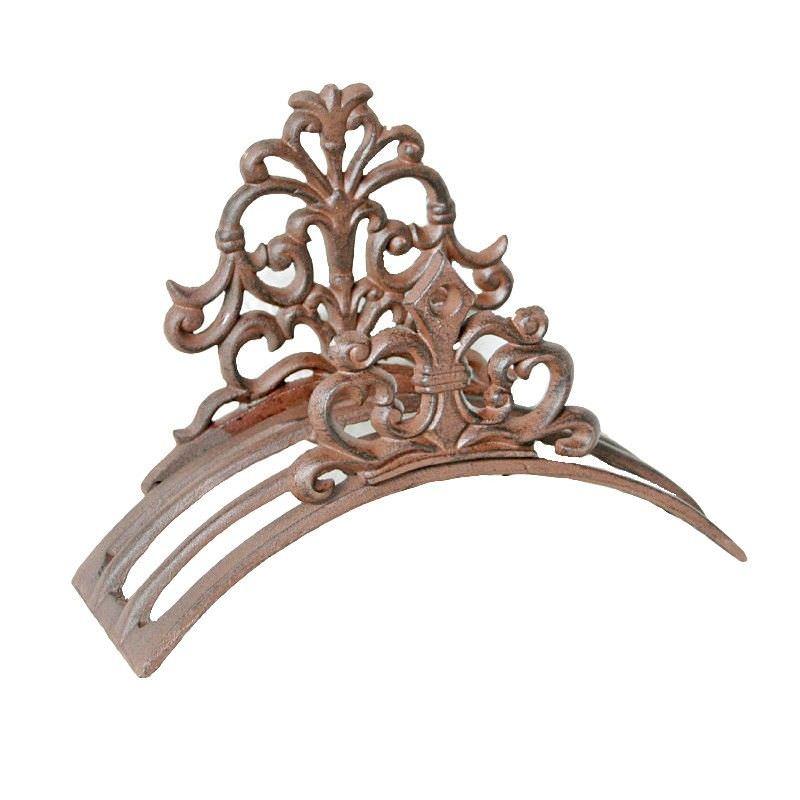 Cast Iron Fleur De Lis Garden Hose Holder, Antique Rust