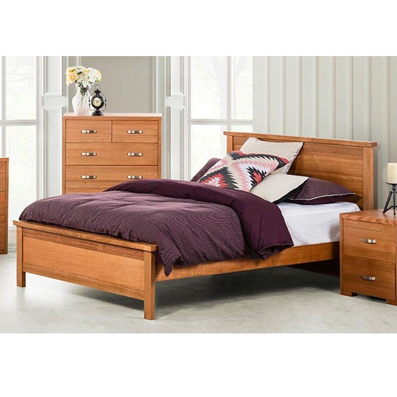 EVA Tassie Oak Queen Bed in Natural