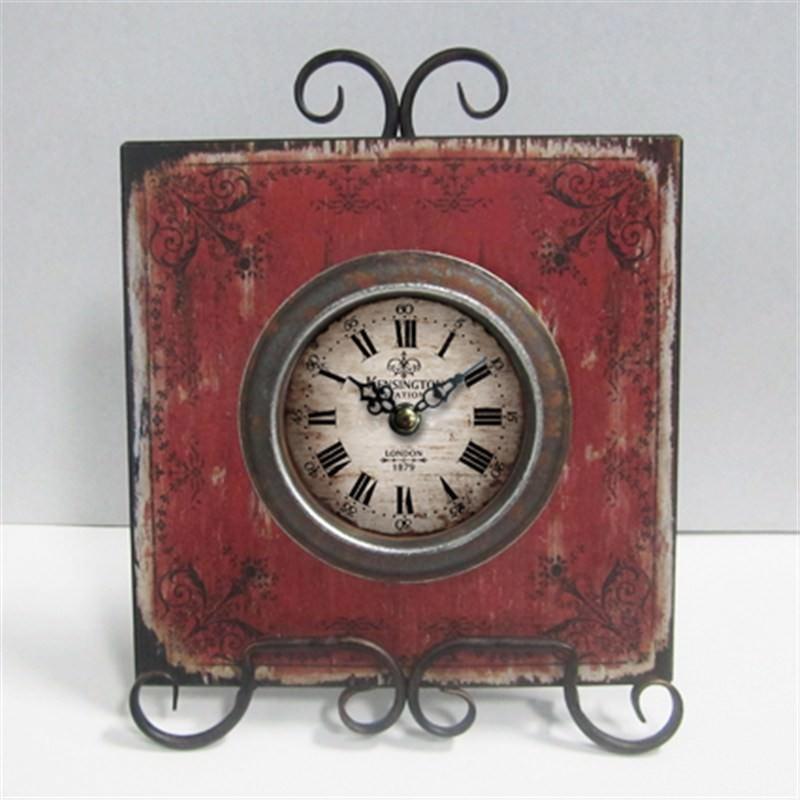 Red metal clock 22x28cm