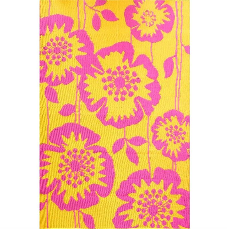 Trendy Godetia Hand Crafted Outdoor Rug in Light Mustard/Pink - 120x180cm
