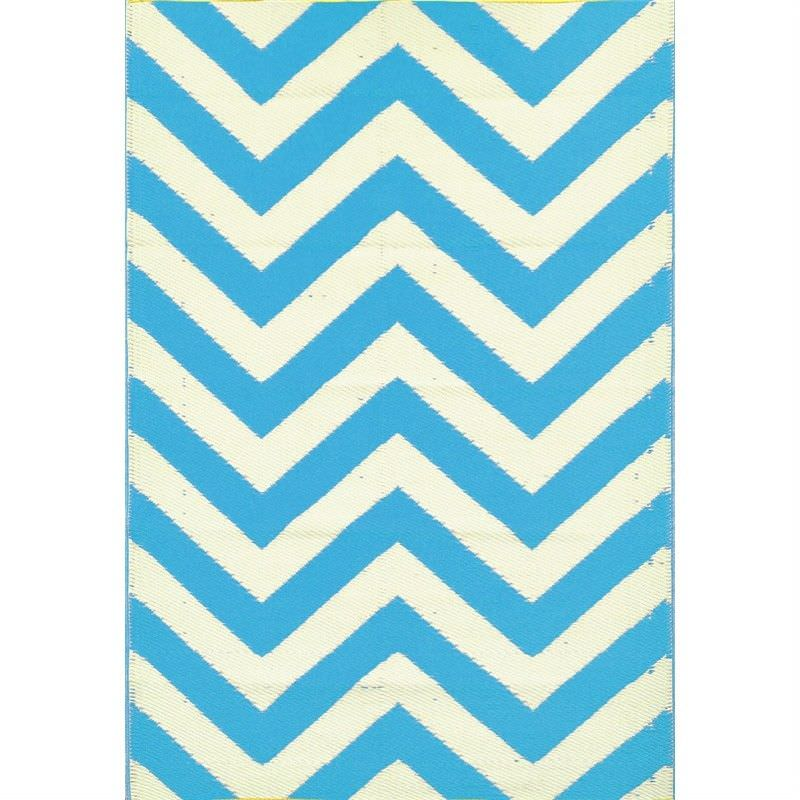 Trendy Chevron Hand Crafted Outdoor Rug in Light Cream/ Blue - 120x180cm
