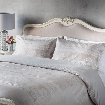 Parisian House Elegance Jaquard Quilt Cover Set, Champagne