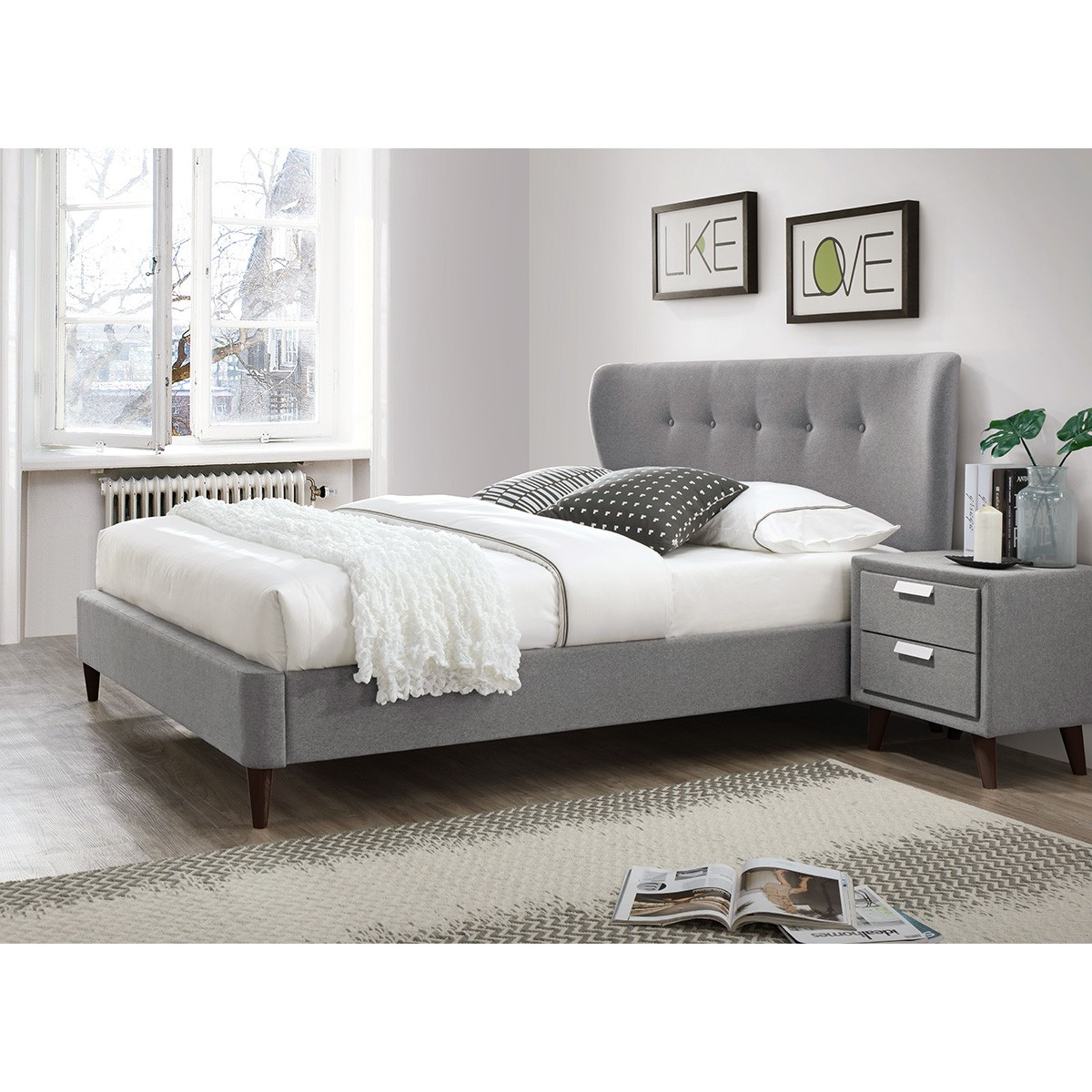 Hunsbury Fabric Bed, Queen